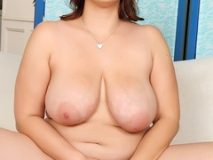 Pretty fresh chubby brunette in black negligee flaunts - Picture 11