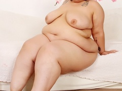 Tattooed chubby brunette in dark spotted negligee drills - Picture 8