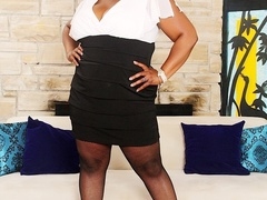 Busty big ebony in white and black dress screws red and - Picture 1