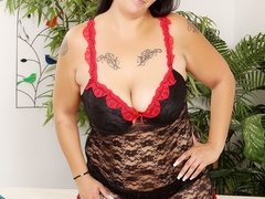 Hot tattooed brunette in red and black negligee sucks - Picture 2