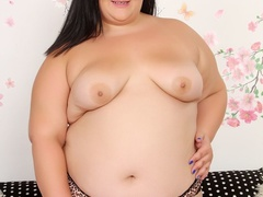 Big chubby cutie in leopard spot lingerie blows cock and - Picture 4