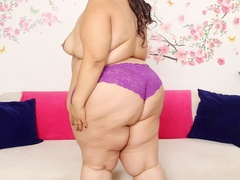 Chubby brunette in black negligee and purple panties - Picture 4