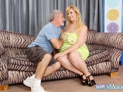 Sexy big blonde in green gives tits job and blow job - Picture 1