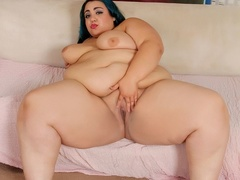 Tattooed plump chick in kinky black outfit shows booty - Picture 13