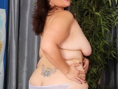 Cute big tattooed brunette drops hot negligee to pose - Picture 5