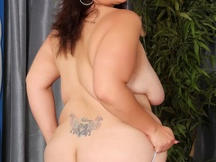 Cute big tattooed brunette drops hot negligee to pose - Picture 6