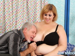 Chubby brunette in black lingerie measures cock, sucks - Picture 2