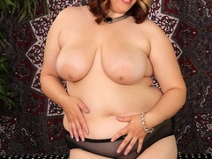 Busty big cutie in hot blue and black lingerie models - Picture 3