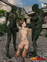 Alien monsters with big cocks double penetrate sexy - Picture 1