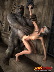 White-haired babe gets her pussy wrecked by ogre's - Picture 5