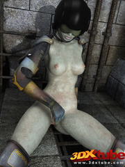 Scaly lady soldier fingers her pink pussy while lying - Picture 8
