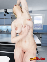 Sexy and fit blonde babe strip all clothing on the - Picture 9