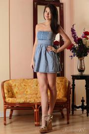 brunette chick blue dress