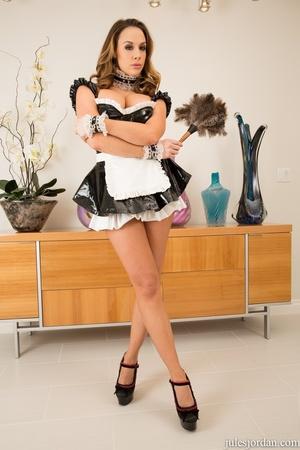 Slutty maid getting fucked  by big black - XXX Dessert - Picture 3