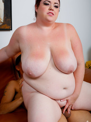 Smoking hot BBW teases with her extra large body in hot - Picture 11