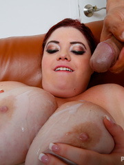 Smoking hot BBW teases with her extra large body in hot - Picture 14