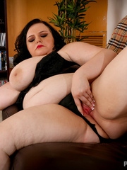Pretty BBW in black lingerie teases with her fat body - Picture 8