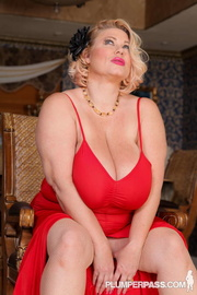 gorgeous blonde milf teases