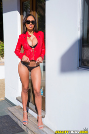 busty ebony sunglasses and