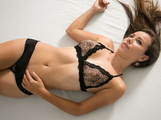 latin girl beautiful tits