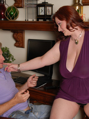 Redhead plumper takes off her purple blouse and expose - Picture 4