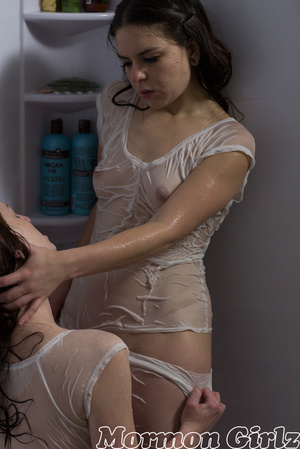 Wet make out session that leads to some provocative pussy eating - XXXonXXX - Pic 4