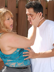 Blonde plumper takes off her blue laced nighty and black - Picture 10
