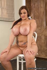 gorgeous babe size body