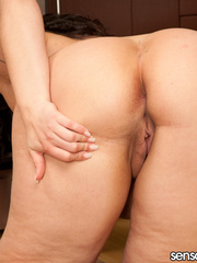 Plus size houswife teases her bald hubby with her fat - Picture 2