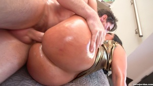 Slut oils up her giant tits and pussy for great fucking. - XXXonXXX - Pic 17