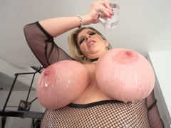 Big breasted slut gets oiled and ready for - XXXonXXX - Pic 5