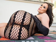 Brunette babe strips her sexy black lingerie for - XXXonXXX - Pic 5