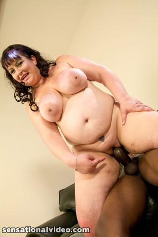alluring fat babe peels
