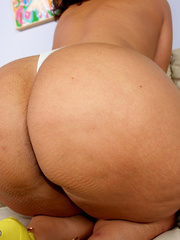 Steaming hot fat chick peels off her yellow dress and - Picture 13
