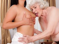 Latina sucks a blonde caucasian granny's tits and - XXXonXXX - Pic 4