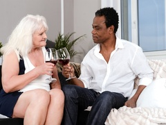 Black guy in white shirt fucks blonde granny on - XXXonXXX - Pic 1