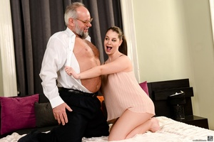 Old man sucks and fucks a young brunette's pussy on white sheets - XXXonXXX - Pic 3