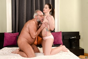 Old man sucks and fucks a young brunette's pussy on white sheets - XXXonXXX - Pic 4