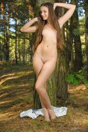 curvacious long haired brunette