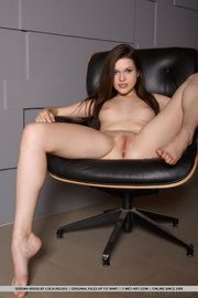young brunette spreads legs
