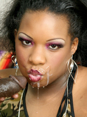 Super size ebony wearing green and brown camouflage - Picture 13