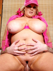 Steaming hot plumper lets a hunk dude suck her giant - Picture 16