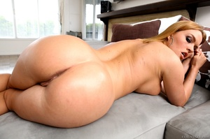 Blue-eyed blonde gets her phat booty covered in cum - XXXonXXX - Pic 7