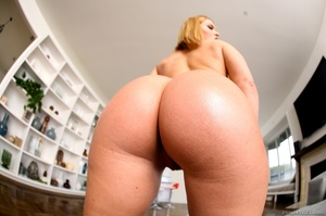 Blue-eyed blonde gets her phat booty covered in cum - XXXonXXX - Pic 11