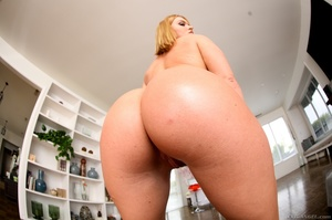 Blue-eyed blonde gets her phat booty covered in cum - XXXonXXX - Pic 12