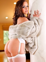 Classy brunette with blue eyes wearing fur coat - XXXonXXX - Pic 3