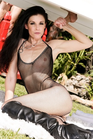 Super hot brunette in black transparent body suit absolutely adores outdoor hardcore - XXXonXXX - Pic 5