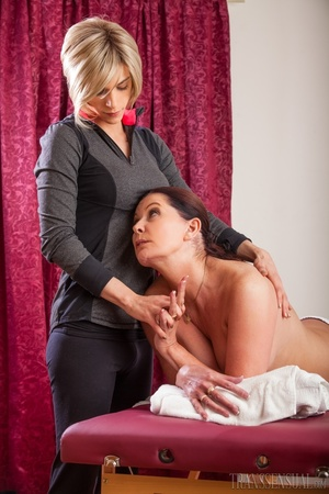 Hot brunette mature fucked good in the pussy after a nice massage - XXXonXXX - Pic 4