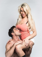 Sexy blonde shemale poses with her man showing - XXXonXXX - Pic 4