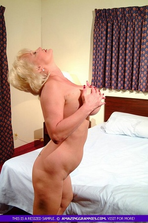 Hot granny teases with her fat body then - XXX Dessert - Picture 5